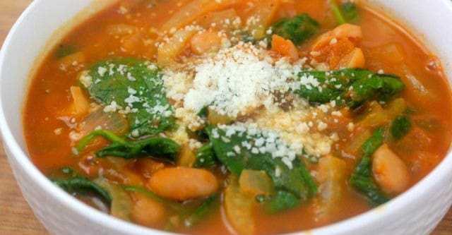 Zuppa di verdure con fagioli e finocchi